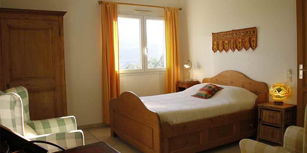 La calade chambres d 39 h tes en provence table d 39 h tes bio - Chambre d hote massage tantrique ...